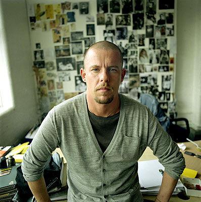 Planeta Fashion de luto: morre o estilista Alexander McQueen