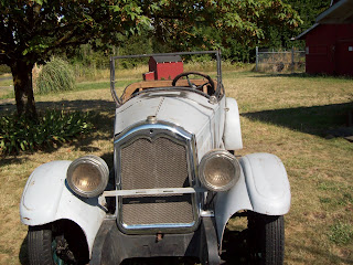 Hard-to-find single taillight and spare-wheel holder are still present