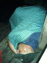 dia tidur atas bot macam tidur kat rumah laa..