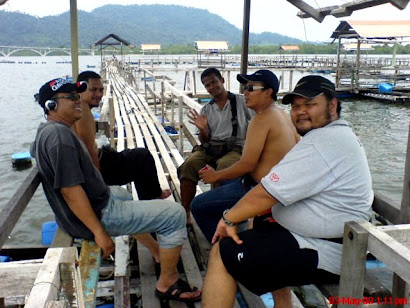 mancing, santai, relaxx.. what a priceless moments money cant buy.