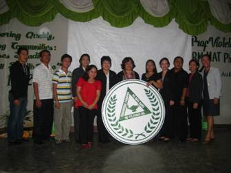 Alpha Chapter members of the Beta Nu Delta Nursing Society with Dr. Violeta Lopez