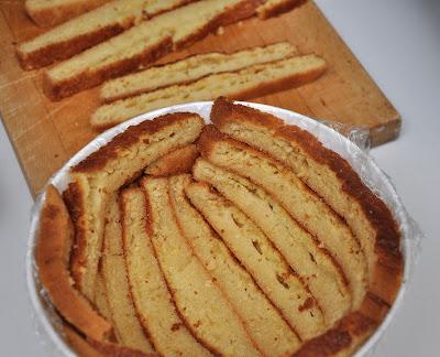 Lo zuccotto panna e fragole for Decorazione zuccotto