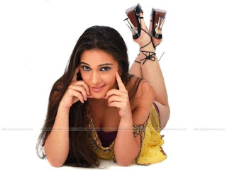 tara sharma sexy smile - hot bollywood actress