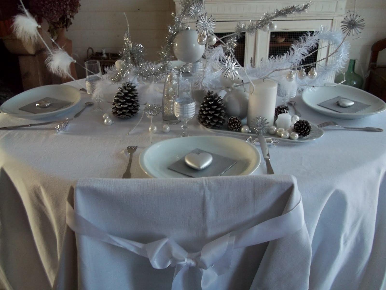 #526779 Lylou.Anne Collection: Défi Noël Blanc Et Acte 1 6263 Decoration De Table Pour Noel Blanc Et Argent 1600x1200 px @ aertt.com