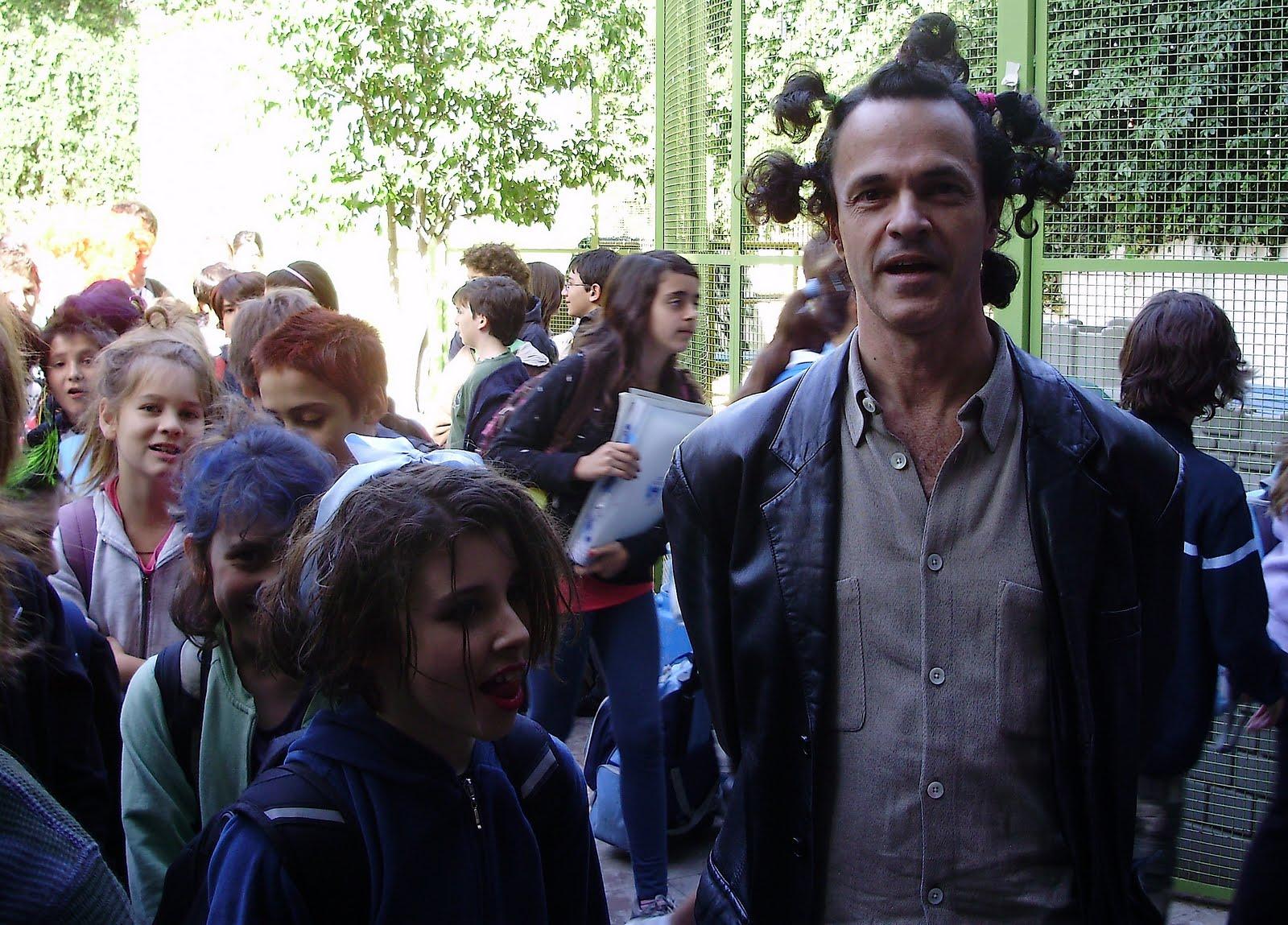 RAROS PEINADOS NUEVOS Charly Garcia LETRAS