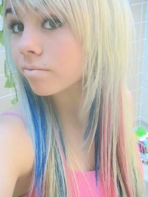emo girl hairstyle pictures. Cute Emo Girls Hairstyles