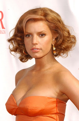 Jessica Simpson's With Short Hairdo Style