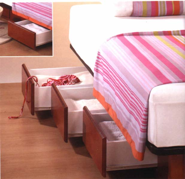 Camas con cajones que ahorran espacio drawer bed for Base de cama queen size con cajones
