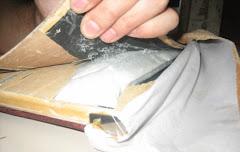 PNP halla droga acondicionada al interior de libros en Ayacucho