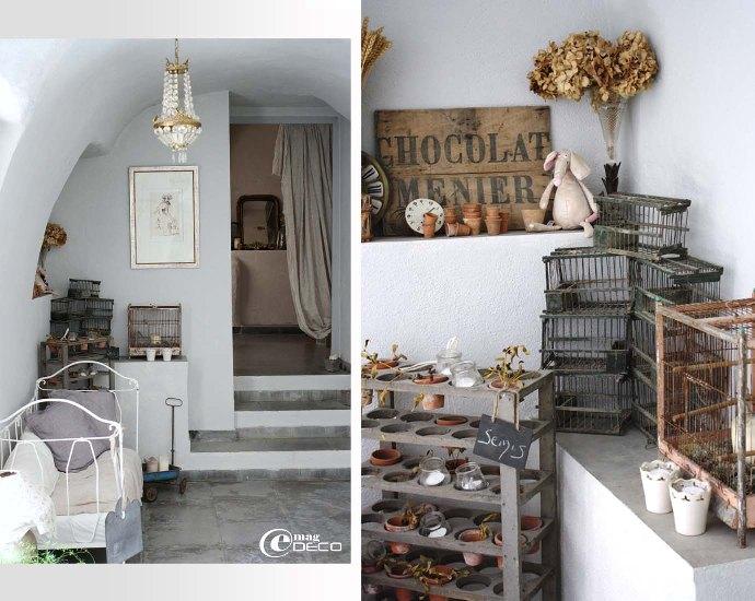 Un salle voûtée sert de dégagement entre cuisine et salle à manger