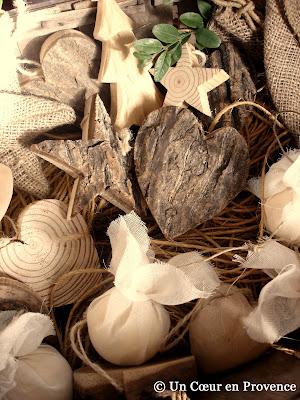 Décors en bois à suspendre dans le sapin de Noël