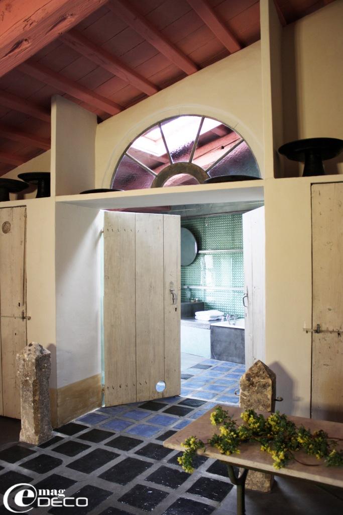Porte double de la salle de bains, chambre Venet, La Maison à Blauzac