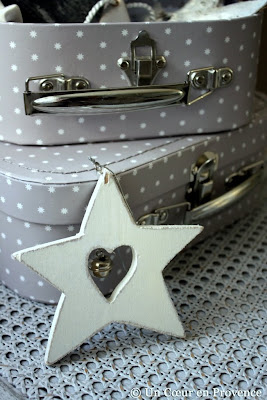 A starry bell and suitcases