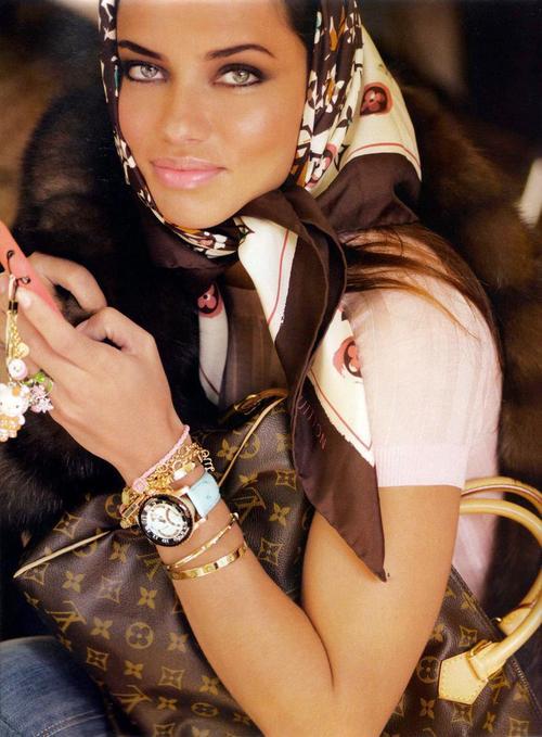 adriana lima no makeup. Adriana Lima Makeup,Adriana