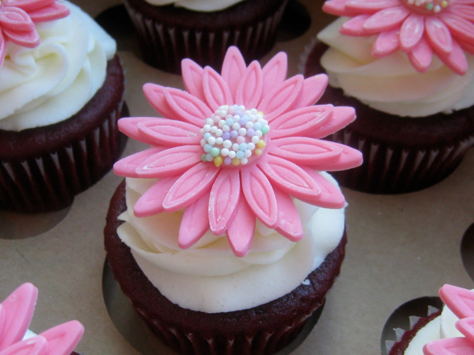 Rose Petals Cakery Flower Cupcakes