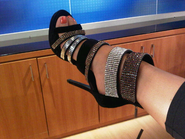 Robin Meade Feet Sandals Toes http://robinmeadeblog.blogspot.com/p/pictures-of-robin-meade-at-hln.html