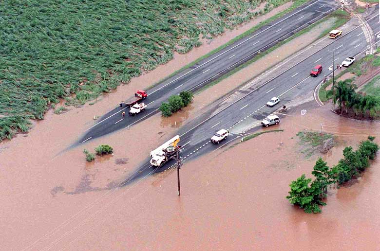 flooding disasterthe State of Queensland is roughly 7 times larger