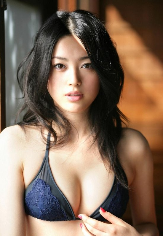 Celebrity And Hairstyles: Ako Masuki Pictures