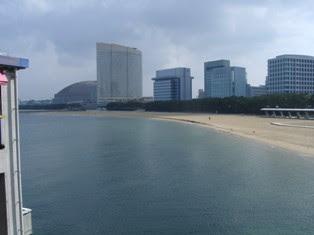 海岸から見た福岡ドーム