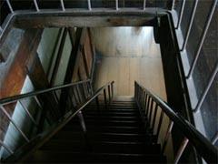 下層階内部