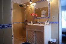 Imperial Aubergine Bath 2