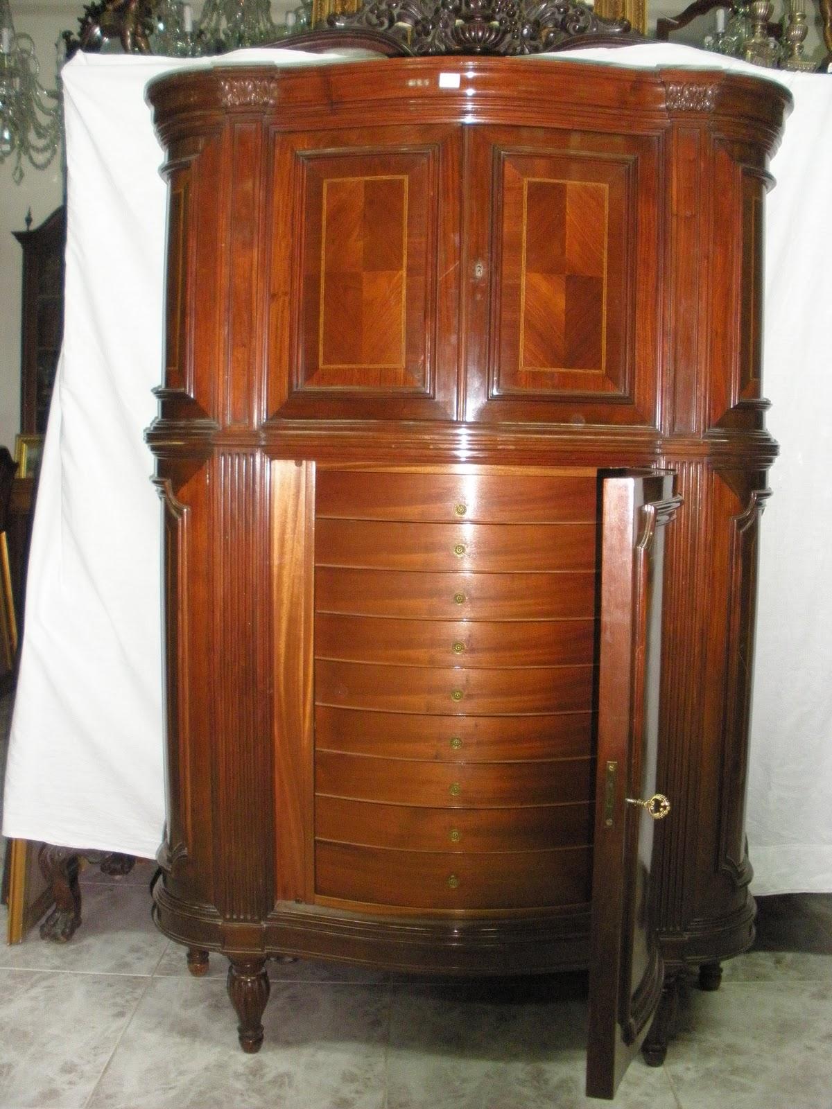 Antigüedades Eduardo Peral 2 Mueble cubertero de caob