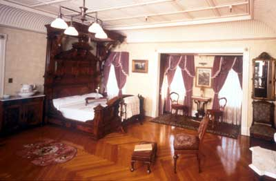 amityville america and classic hauntings sarah winchester the winchester mystery house. Black Bedroom Furniture Sets. Home Design Ideas