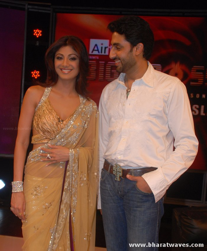 [01indianmasala.blogspot.com+Shilpa+Shetty++Abhishek+on+Bigg+Boss+2+sets_2709008+(3).jpg]