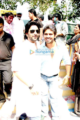 Dia and Arshad promote 'Hum Tum Aur Ghost' at Zoom's Holi party picture