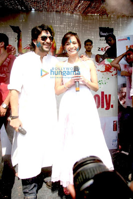Dia and Arshad promote 'Hum Tum Aur Ghost' at Zoom's Holi party image