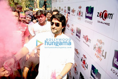 Dia and Arshad promote 'Hum Tum Aur Ghost' at Zoom's Holi party pics