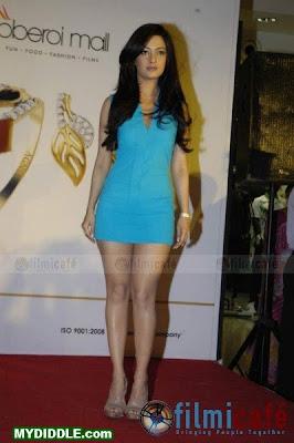 Riya Sen in pics