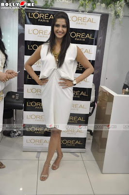 Sonam Kapoor L'Oreal Golden Photos