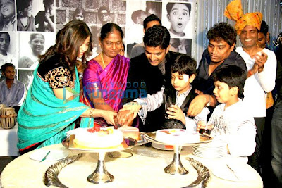 Naveen Prabhakar of laughter challenge marriage anniversary bash image
