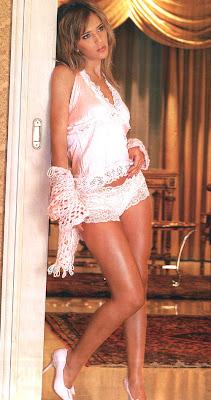 Luisana Lopilato hot & sexy photo