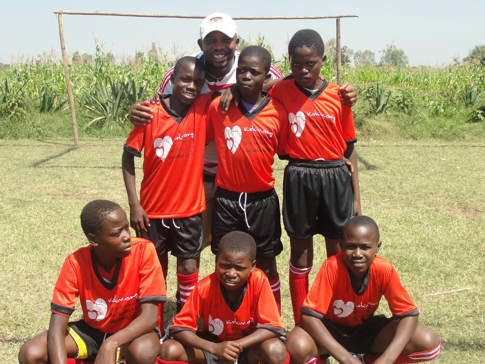 Hot Secrets: LARRY ASEGO DONATES FOOTBALL KITS IN KISUMU
