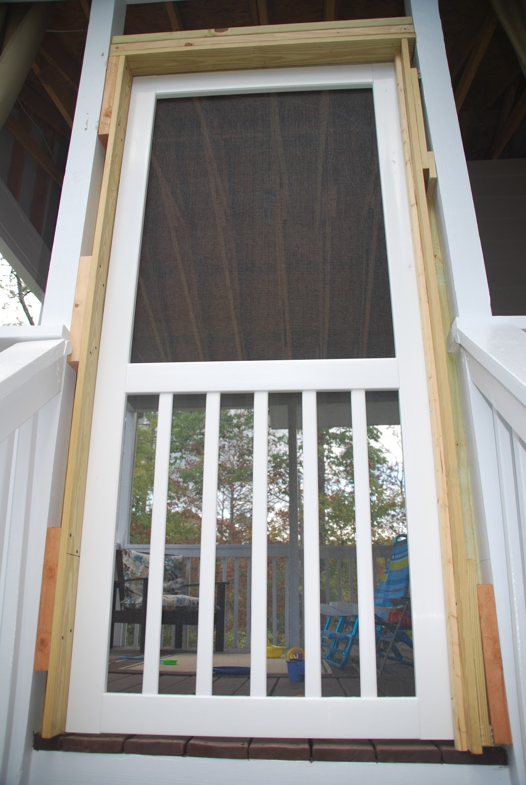 how to change a screen door