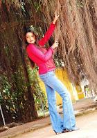 Female Singer Surani De Mel