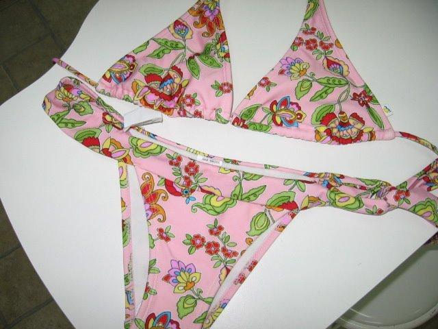 bikini cor de rosa