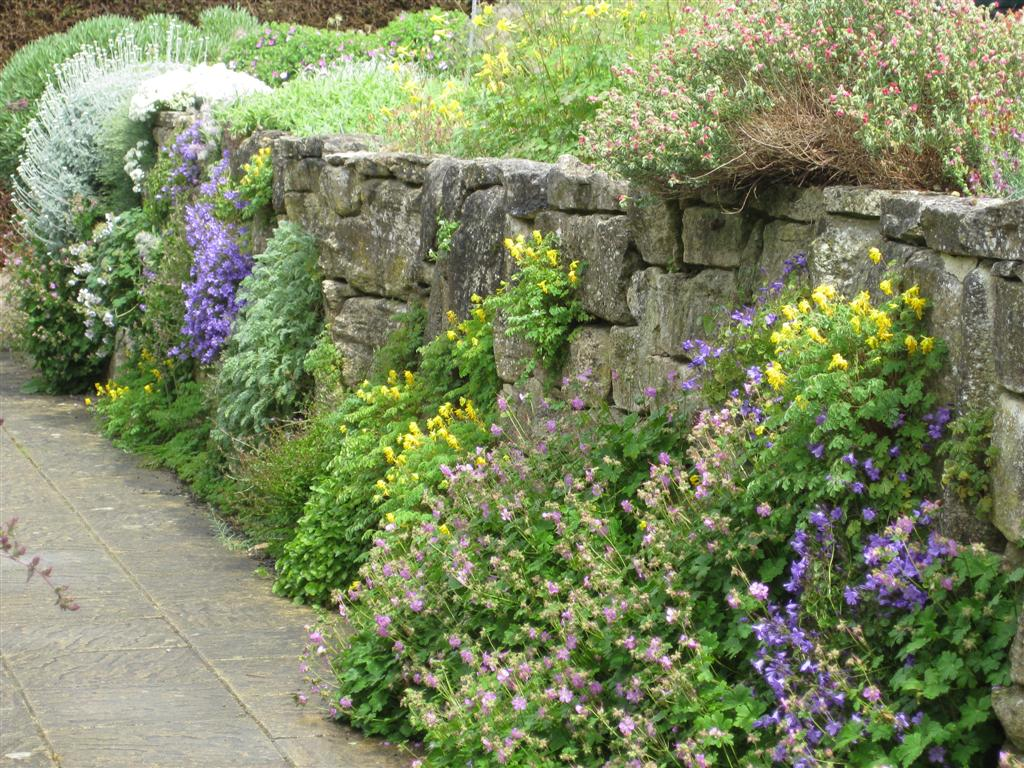 Wisley gardens rocks wall stones wall beautiful rocks for Rock wall garden