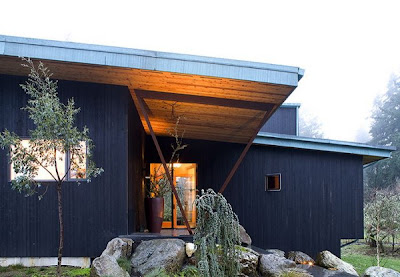 House Designed by Hutchison & Maul Architecture is for the birds