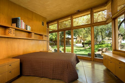 Luxury Farm House by Frank Lloyd Wright