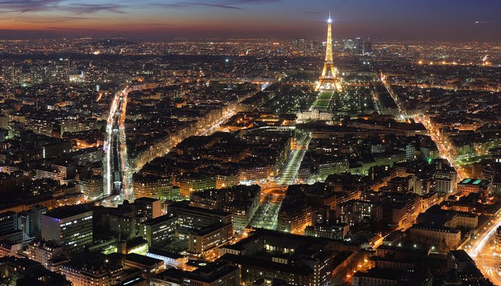 [paris_nigh_700_2.jpg]