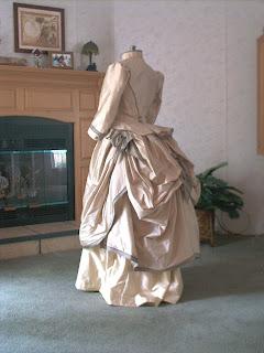 Linda%27s+Gray+Paisley+Victorian+Dress+017 740775 Vestidos Antigos para crianças