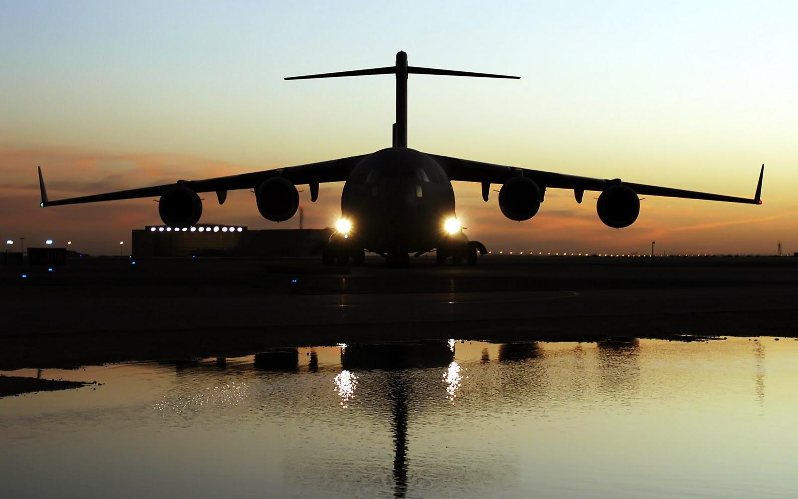 http://1.bp.blogspot.com/_KtoUah5Q8Zc/TONn8T2U-GI/AAAAAAAAAEs/Z1mfa7PMwoY/s1600/c_17_globemaster_iii_aircraft-wide.jpg