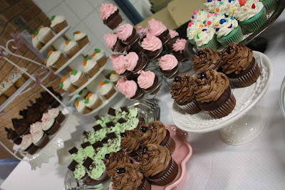 cupcake buffet live to {cupcake} party