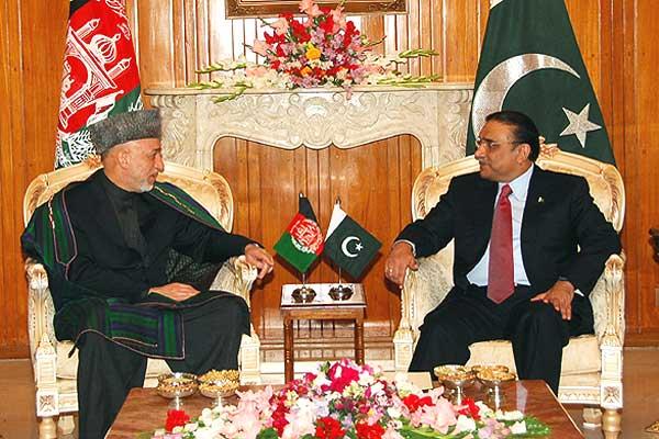 http://1.bp.blogspot.com/_KvWNMqgDxeQ/TJDXi7pfGrI/AAAAAAAAA_0/erT3hwHRo7I/s1600/Should+Pakistan+Trust+Karzai.jpg