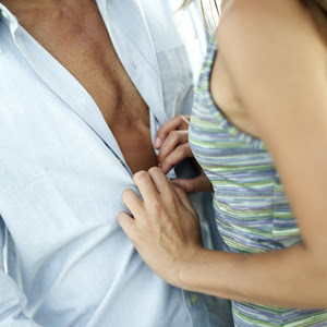 How can a [[men|man]] enhance the sensation of oral sex for his lover?