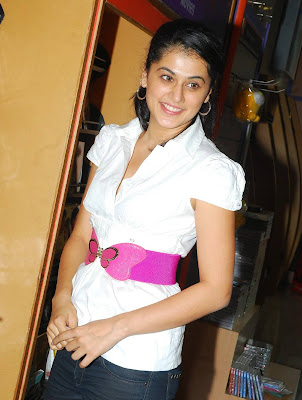 image of Jhumandi Nadam Heroine Tapsee (photos)   pictureswallpapers  photo