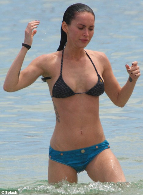 hawaii beaches girls. Bikini girl: Megan Fox cooled